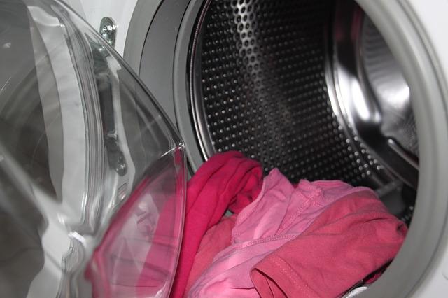 praní červeného prádla