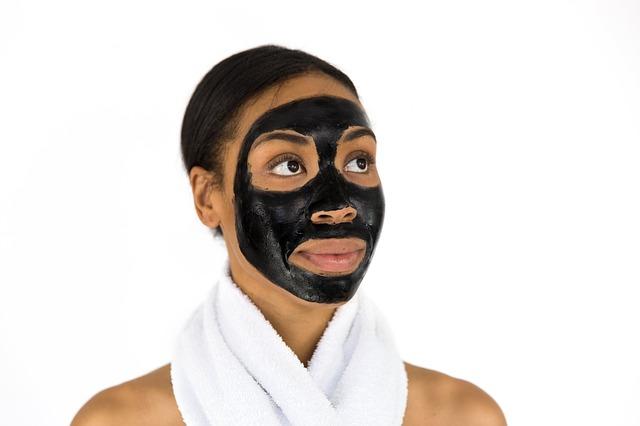 černá obličejová maska.jpg