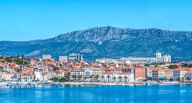 hory za Splitem.jpg